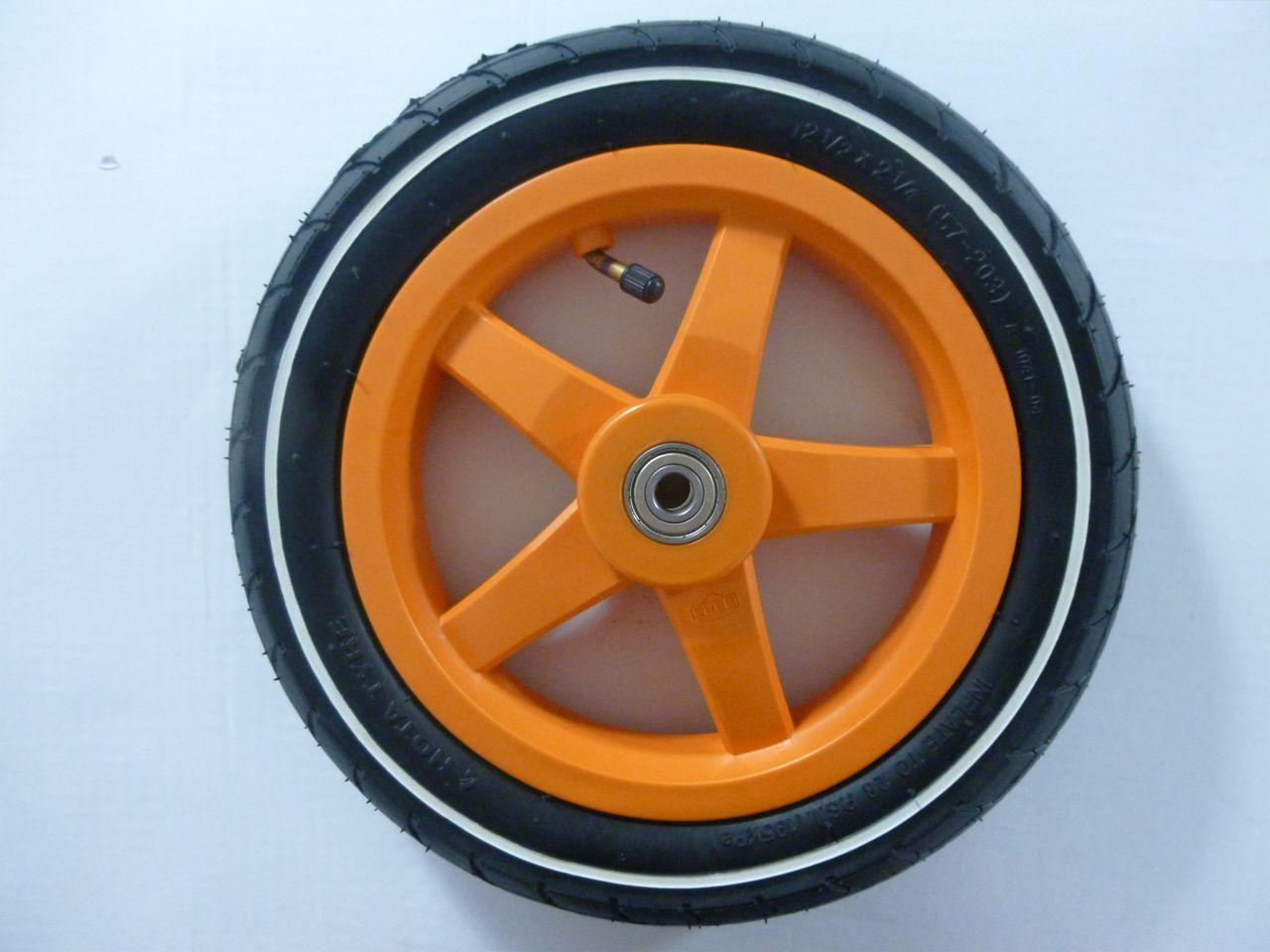 Wheel orange 12.5x2.25-8 slick (white striping)