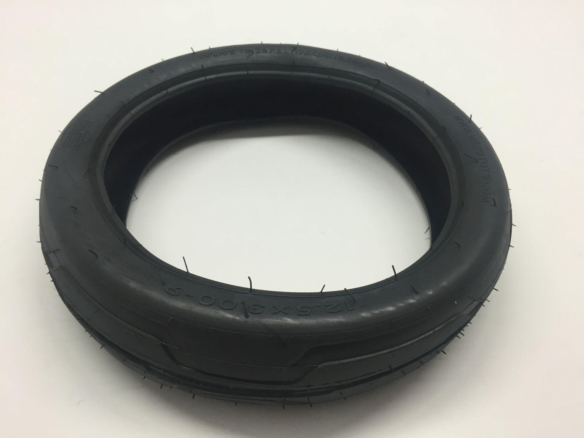 Tire 12.5x3.00-9 slick